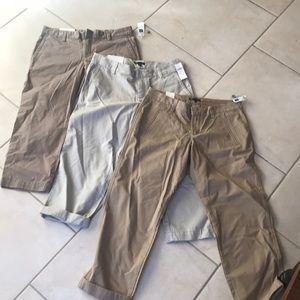 NWT 3 pairs of Gap Size 6 Capri